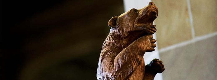 Picture of a wooden bear.